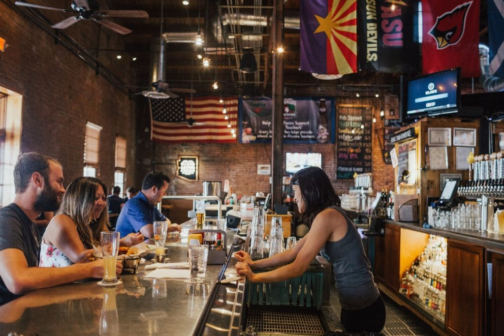 Catch up in a Perfect Bar - 5 Best Phoenix Dating Ideas