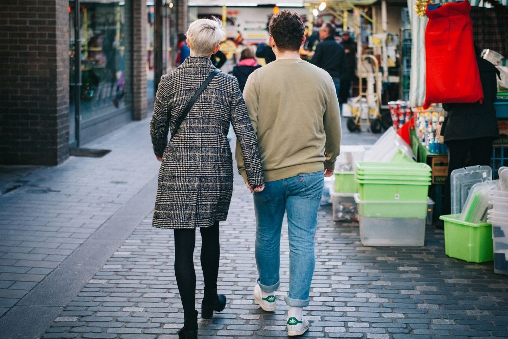 Go for Shopping Together - 6 Best San Diego Dating Ideas
