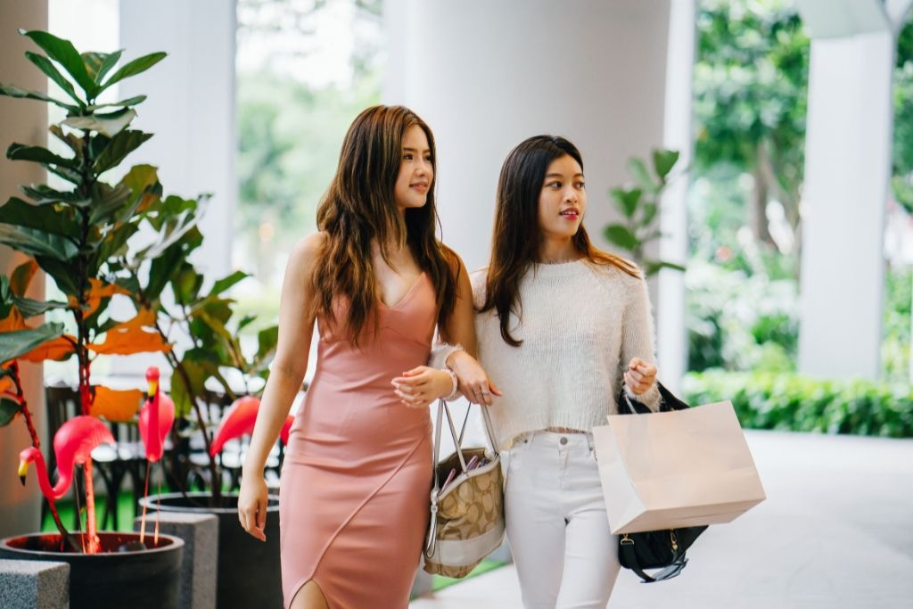Go for a Shopping Date - 5 Best Jacksonville Dating Ideas
