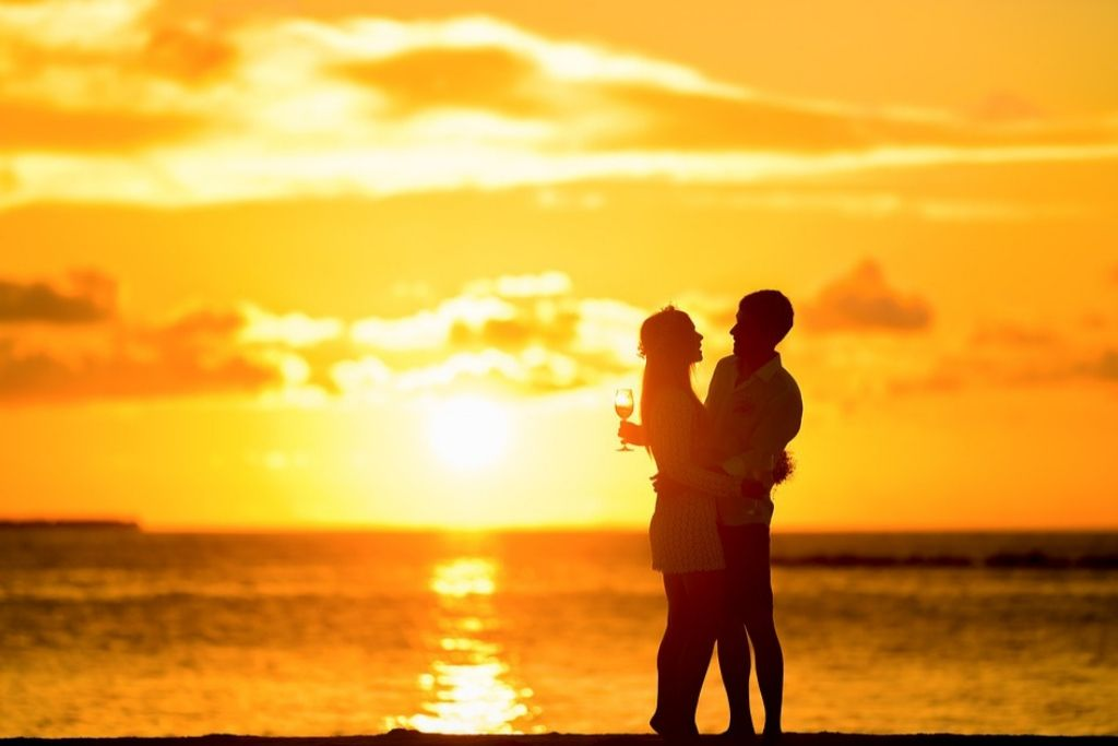 Go to Beach for an Awesome Date - 5 Best San Jose Dating Ideas