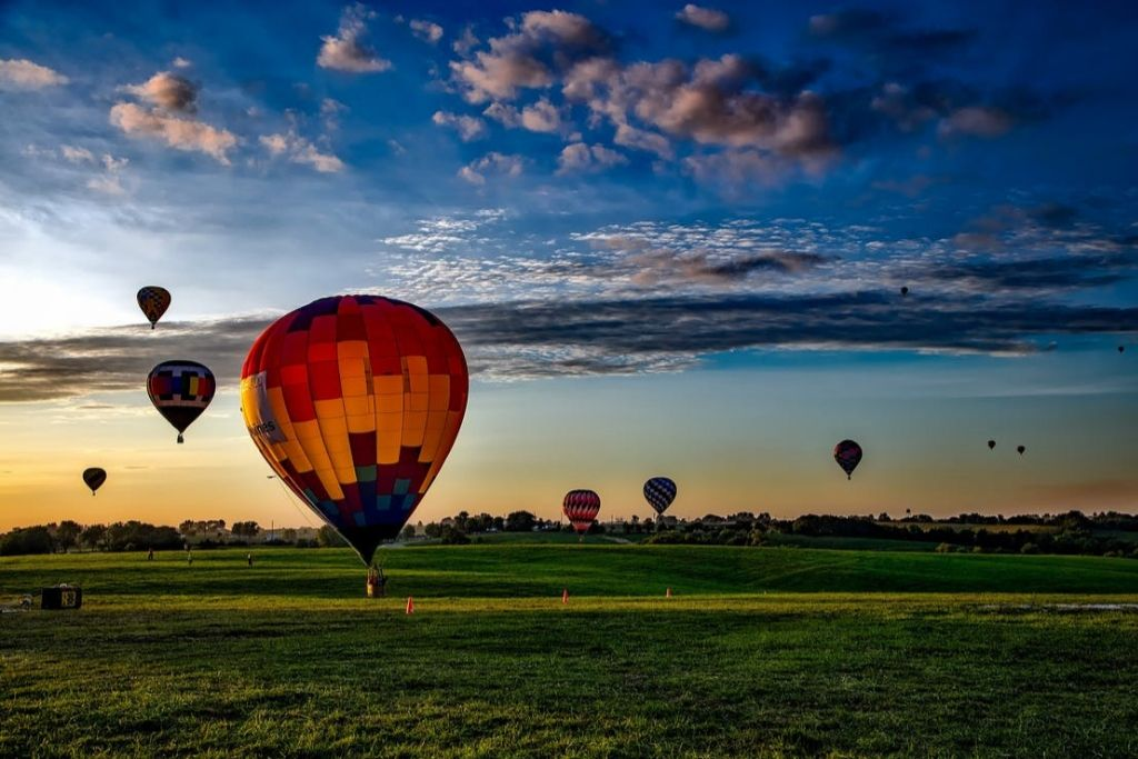 Hot Air Balloon Date - Seattle Dating Ideas