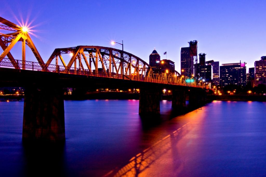 Stroll Around the Waterfront - 5 Best Portland Dating Ideas