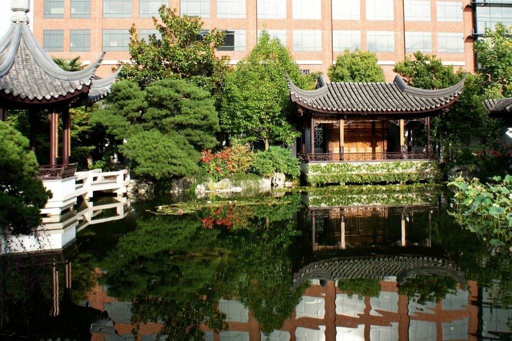 Visit the Chinese Garden - 5 Best Portland Dating Ideas