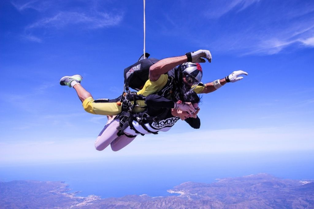 Try Skydiving on a Date in Virginia Beach