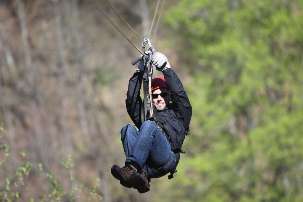 Try Ziplining on a Date in Virginia Beach